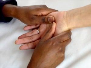 massage hands
